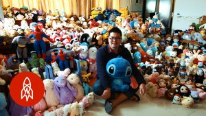 Chen Zhitong Won 15,000 Stuffed Animals From Claw Machines. Guess What He's Doing With Them.